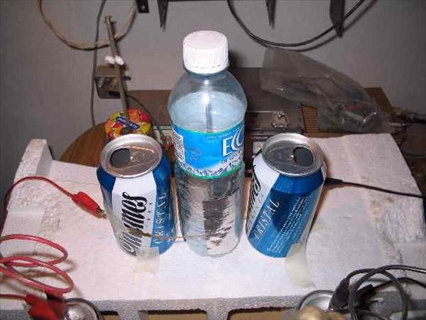 Motor electrostático con PET y latas de cerveza