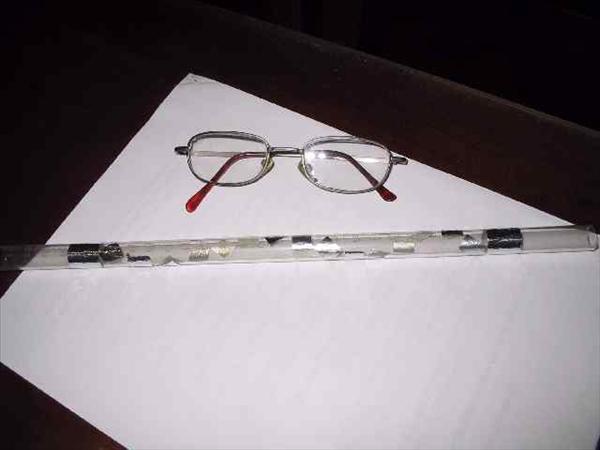 Modelo de centellador con un tubo de vidrio de una bureta